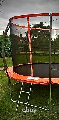 12FT Trampoline with internal safety net enclosure, ladder+rain cover (48hr del)
